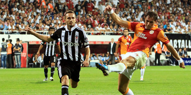 """Elmander: """"Öncelikle Antalyaspor'u düşünüyoruz"""""""