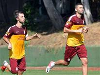 Galatasaray ara vermeden �al���yor