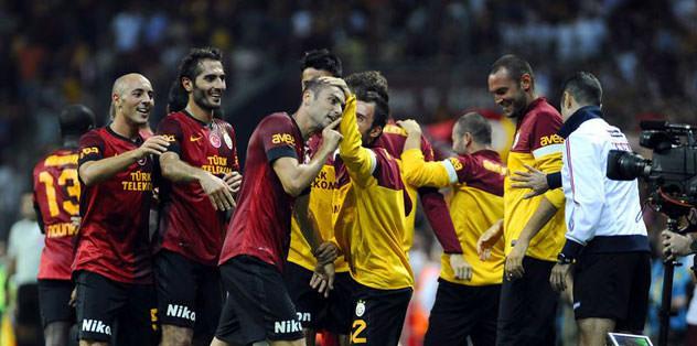 Fenerbahçe ile aradaki farkı açtı