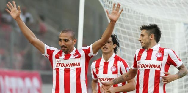 Olympiakos liderliğini sürdürüyor