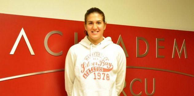 Bayan basket takımı Milka Bjelica'yı aldı