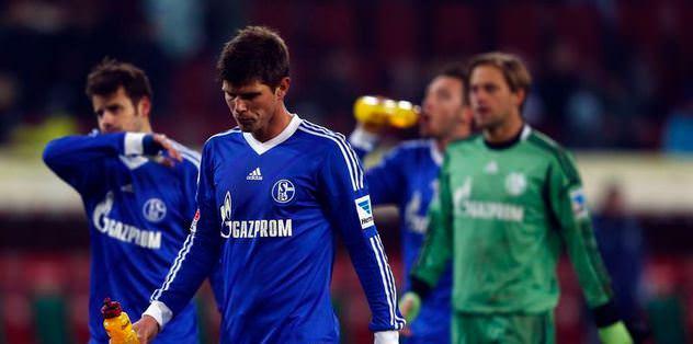 FC Augsburg'tan Schalke 04'e çelme!