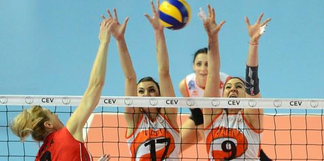 Vakıfbank 4'lü finalde