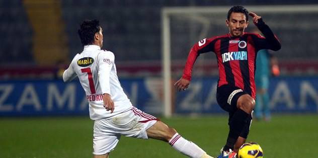 Azofeifa'ya 2 maç ceza