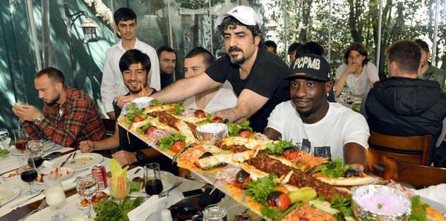 Ersan'dan moral yemeği