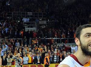 Avrupa Galatasaray'� konu�uyor