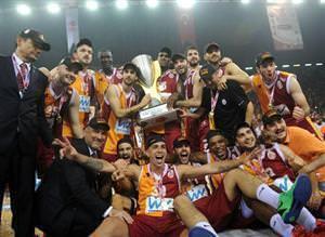 Galatasaray'�n �ampiyonlu�undan kareler