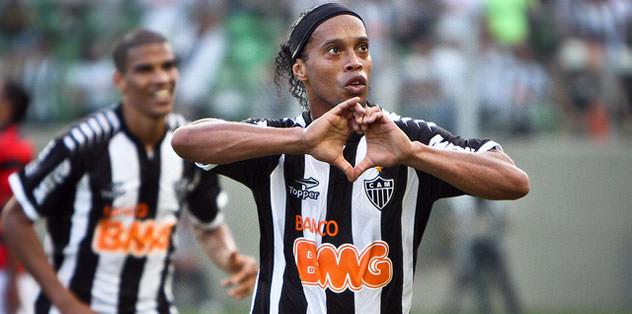 Ronaldinho atmaya devam ediyor