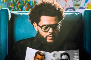 The Weeknd Işıklar Sönene Kadar GQ Okuyor