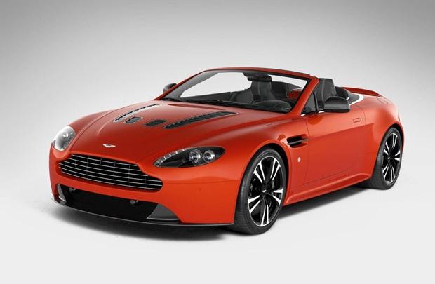 Aston Martin V12 Vantage Roadster ile erken buluşma