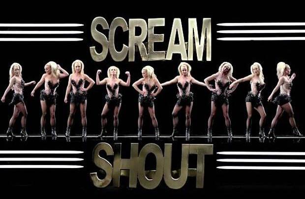 Britney geri döndü
