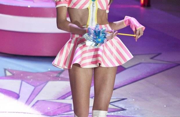 Victoria's Secret modeli şarkıcı oluyor