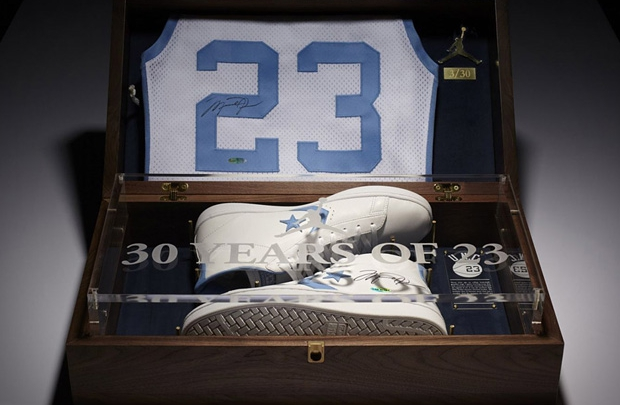 Michael Jordan'a saygı duruşu
