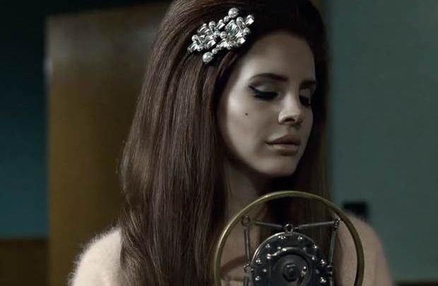 Lana Del Rey'in sesinden Blue Velvet