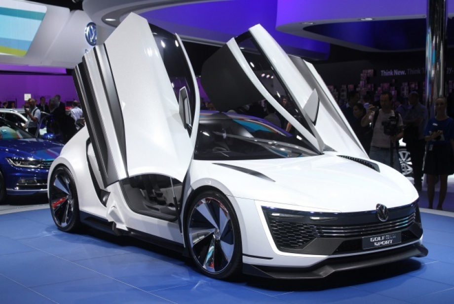 VW yol ve yarış otomobillerini buluşturdu