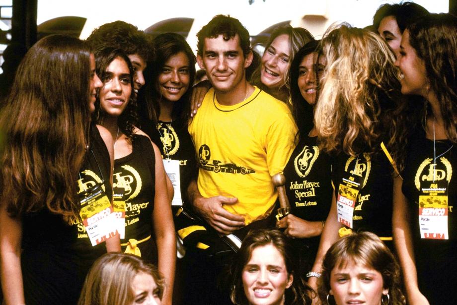 Madem Konu Brezilya, O Zaman Ayrton Senna