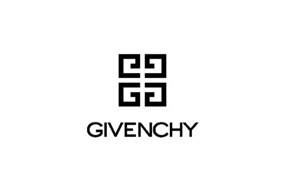 Paris Moda Haftası Givenchy Canlı Yayın