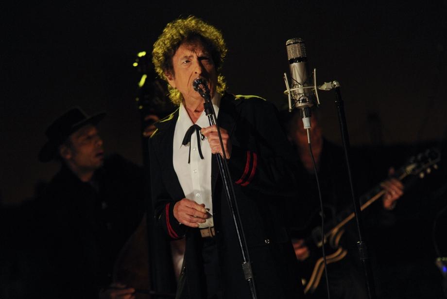 Bob Dylan'ın Nasıl Nobel Kazandığını Açıklayan Şarkı Sözleri