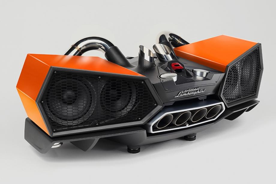 Lamborghini ile Ses Yolculuğuna Çıkmaya Ne Dersiniz?
