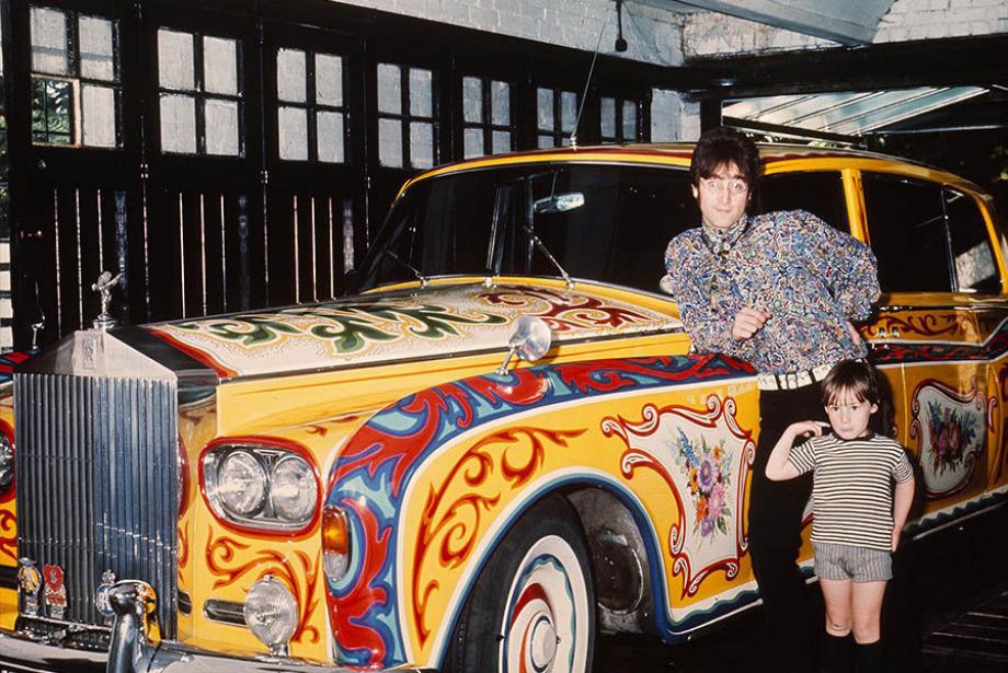 John Lennon'un Mirası Londra'da Sergilenecek