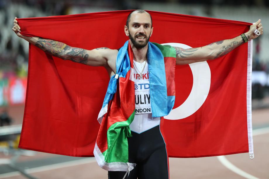 Asın bayrakları: Ramil Guliyev dünya şampiyonu