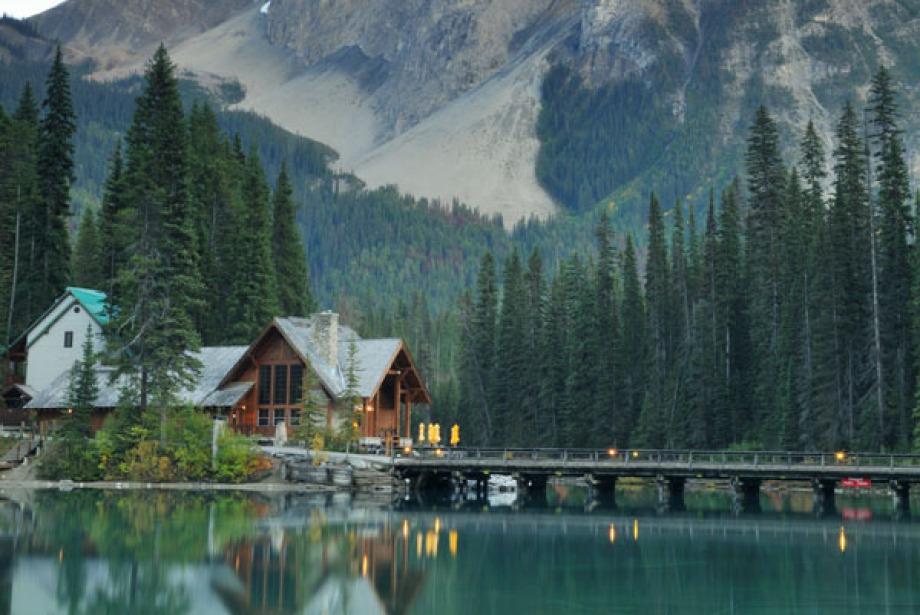 Dünyanın en güzel 10 göl kenarı oteli