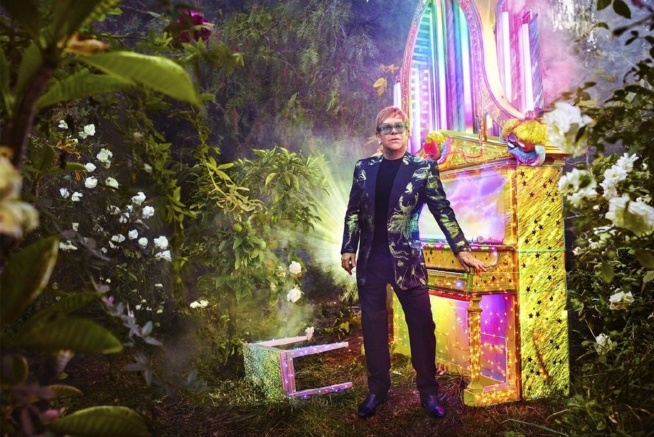 Elton John'a en uzun veda Gucci'den