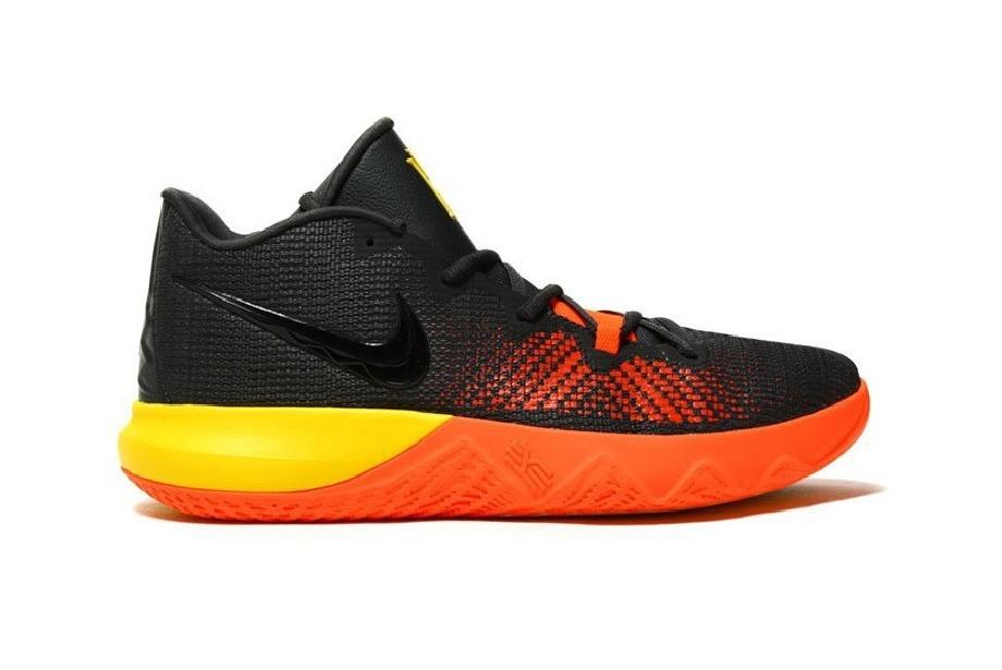 "Yeni renkleriyle Nike'ın Kyrie Irving ""Flytrap"" modelleri"