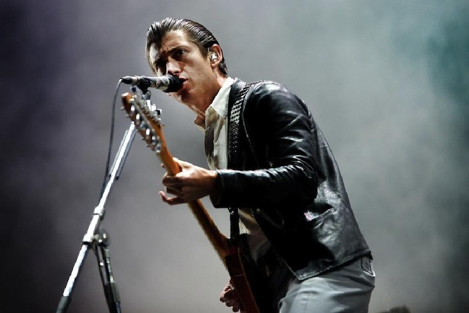 Arctic Monkeys geri döndü