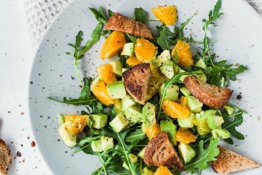 Sıcak yaz günlerinin vazgeçilmezi: Salata