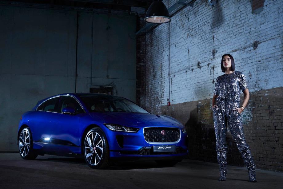 Dua Lipa x Jaguar I-PACE: Gücünü Teknolojiden Alıyor