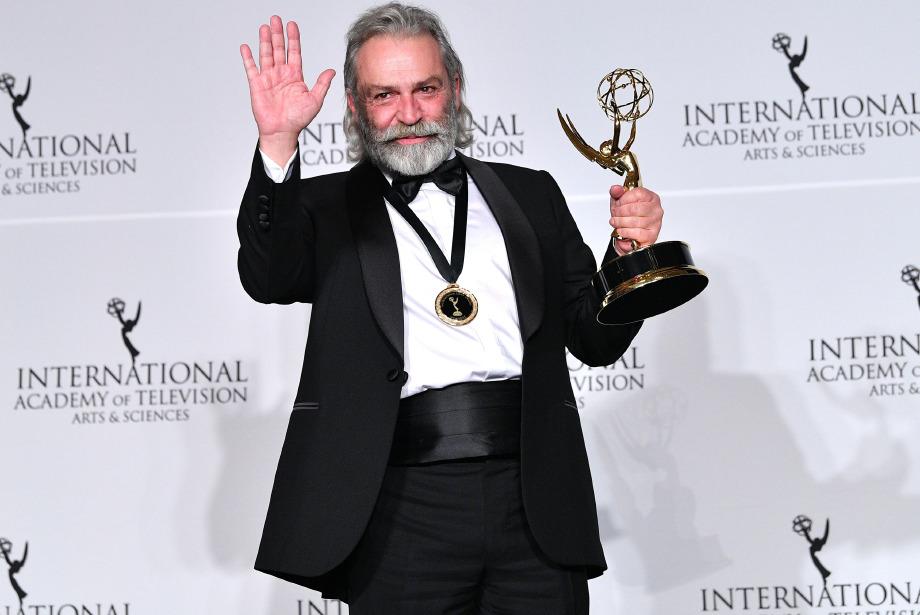 Emmy'nin Yıldızı Haluk Bilginer Oldu!