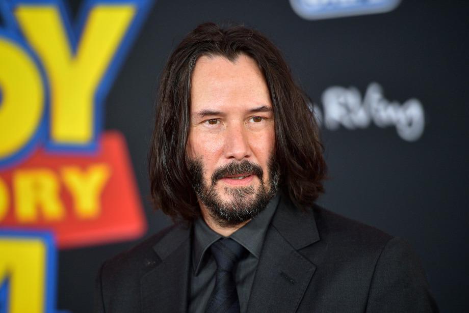 Keanu Reeves, Matrix ve John Wick ile Aynı Gün Vizyonda