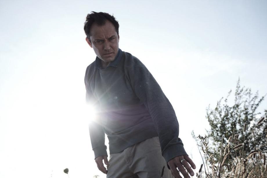 Jude Law'ın Yeni Dizisi The Third Day'e İlk Bakış