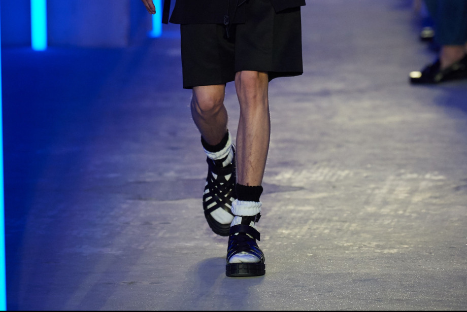 Dönüp Dolaşan Trend: Sandalet & Çorap