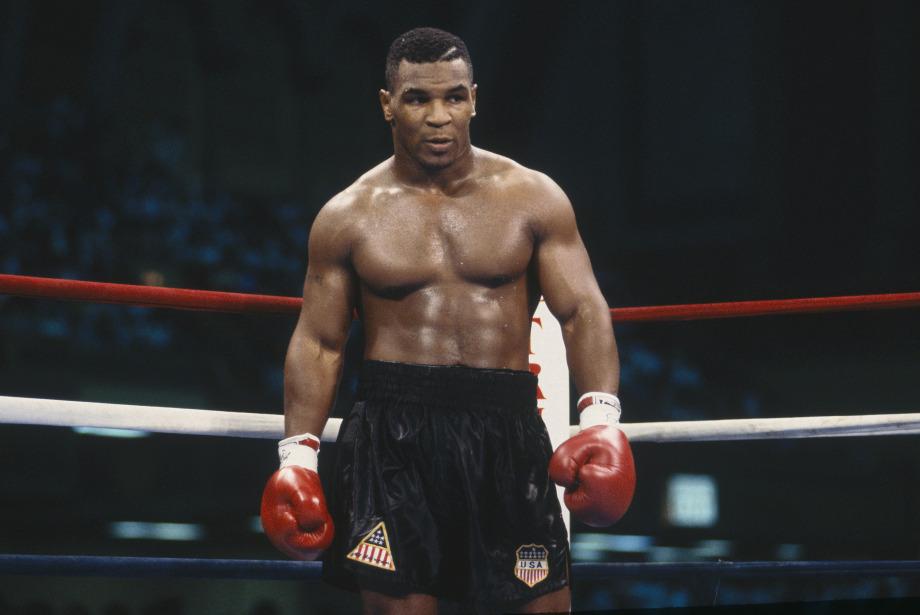 Mike Tyson 15 Yıl Sonra Ringe ve Manşetlere Dönüyor