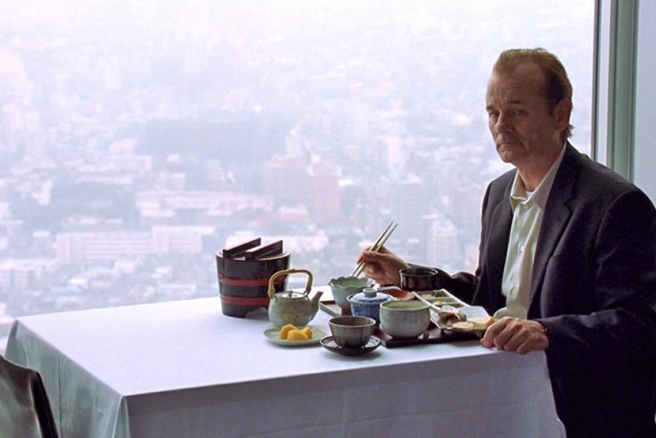 Bir Kişilik Masa Lütfen!