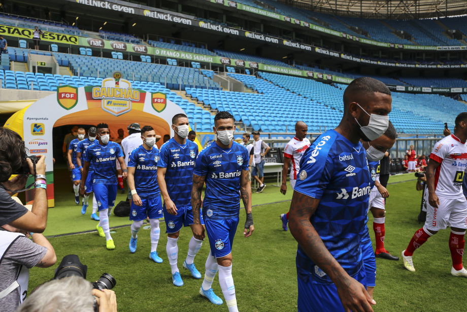 Korona Günlerinde Futbol