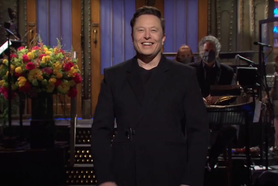 Elon Musk SNL'de de İlklerin İnsanı Oldu