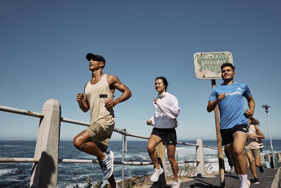 adidas Plastik Atıkları Dönüştürmek İçin Sizi Koşmaya Davet Ediyor