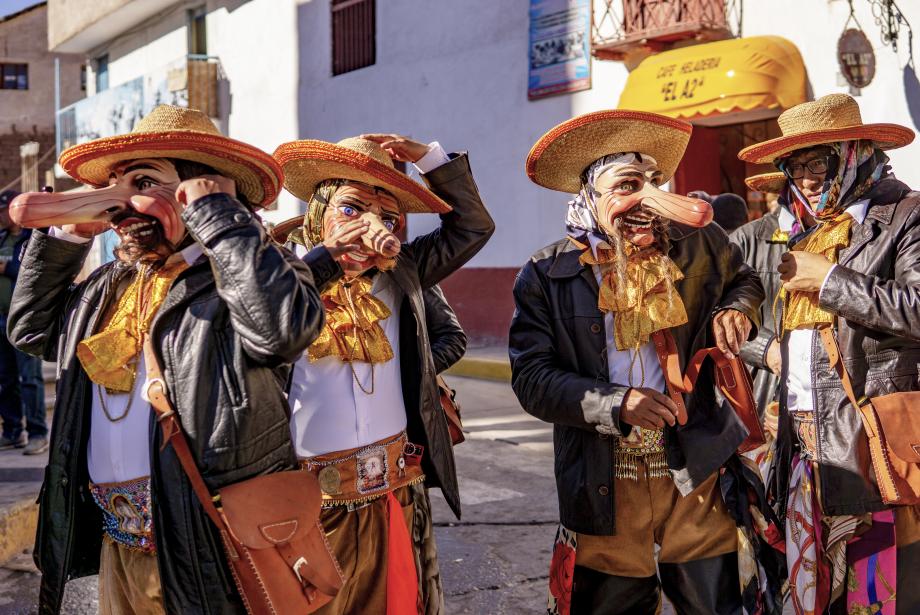 Peru'da Doğumun ve İyileşmenin Festivali: Qoyllur Rit / Lord of Snow Star