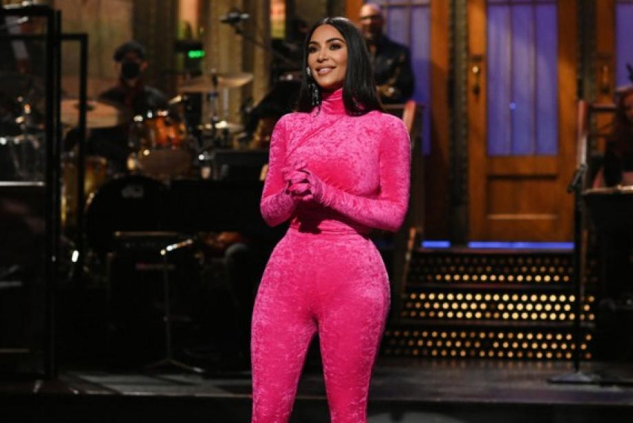 Kim Kardashian Show Geçmişine SNL'i de Ekledi