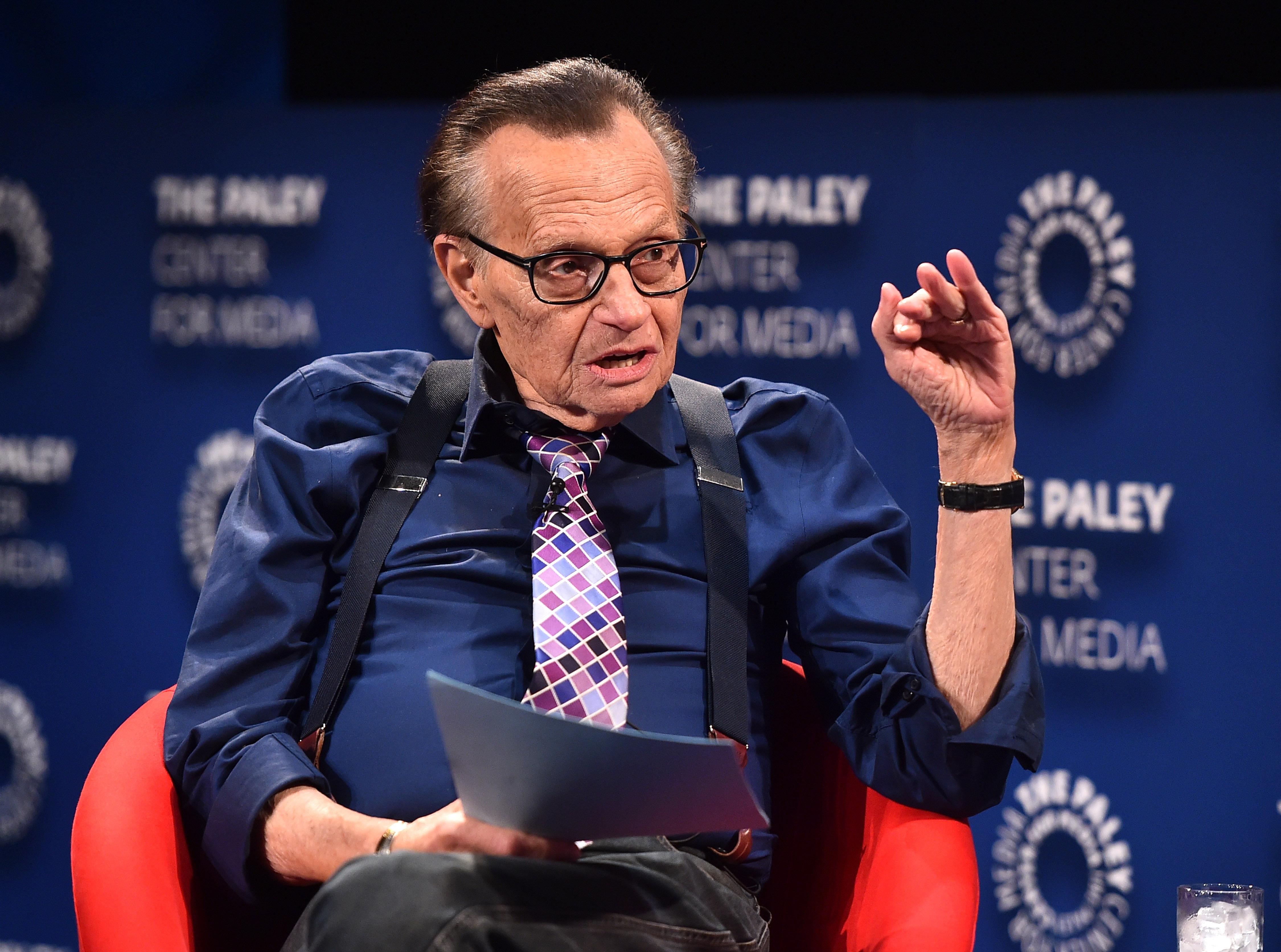 Efsane Programcı Larry King 87 Yaşında Hayatını Kaybetti