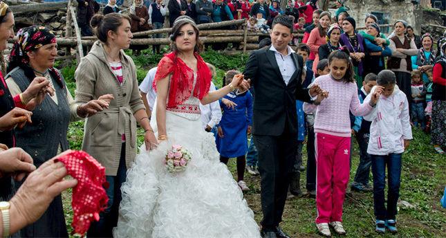 Alevi-Sünni evliliklerinde aşk kazanıyor