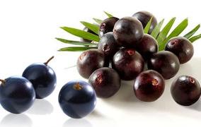 Her derde deva bir meyve akai çileği