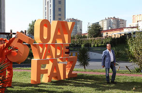 Ali Ağaoğlu Yeni Reklam Filmi İle Yine Kamera Karşısında