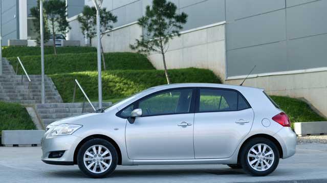 Toyota Auris 1.6 Elegant nas�l araçt�r?