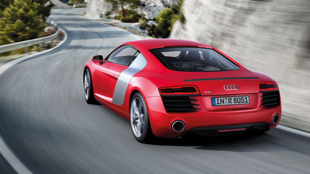 Audi R8'e Makyajla Gelen Artı