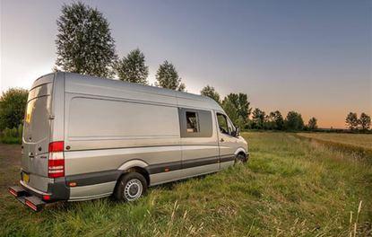 Mercedes Sprinter'ın panelvandan karavana dönüşme hikayesi