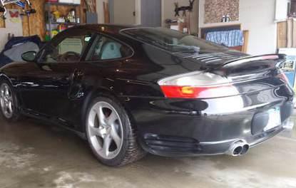 Porsche 911 Turbo ile 949,513 km yol yaptı